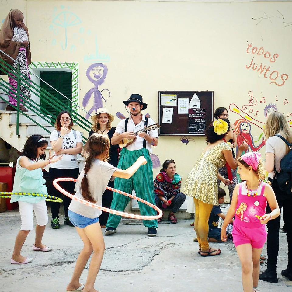 children hula hoop in Lesvos