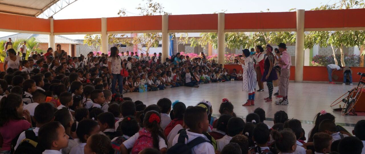 Clowns perform for a huge crowd in Colombia