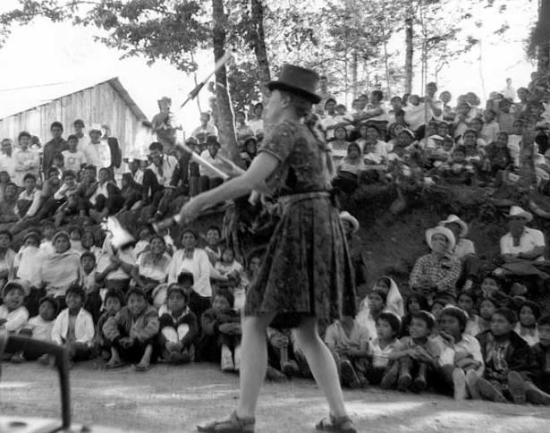 A clown juggles in Chiapas