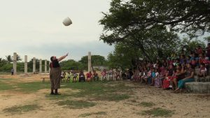 Faeble spins a pot in the air in Mexico