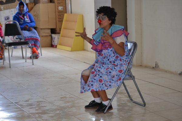 Darina Robles demonstrates payasearía como hermosa humanidad